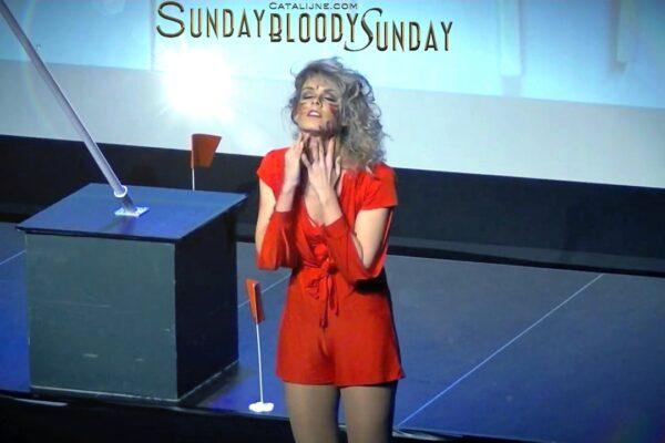 Catalijne zingt Sunday Bloody Sunday in theatraal concert rondom U2