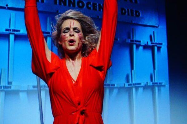 Catalijne_zangeres theater_U2.jpg